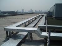 業務用エアコン屋上の配管